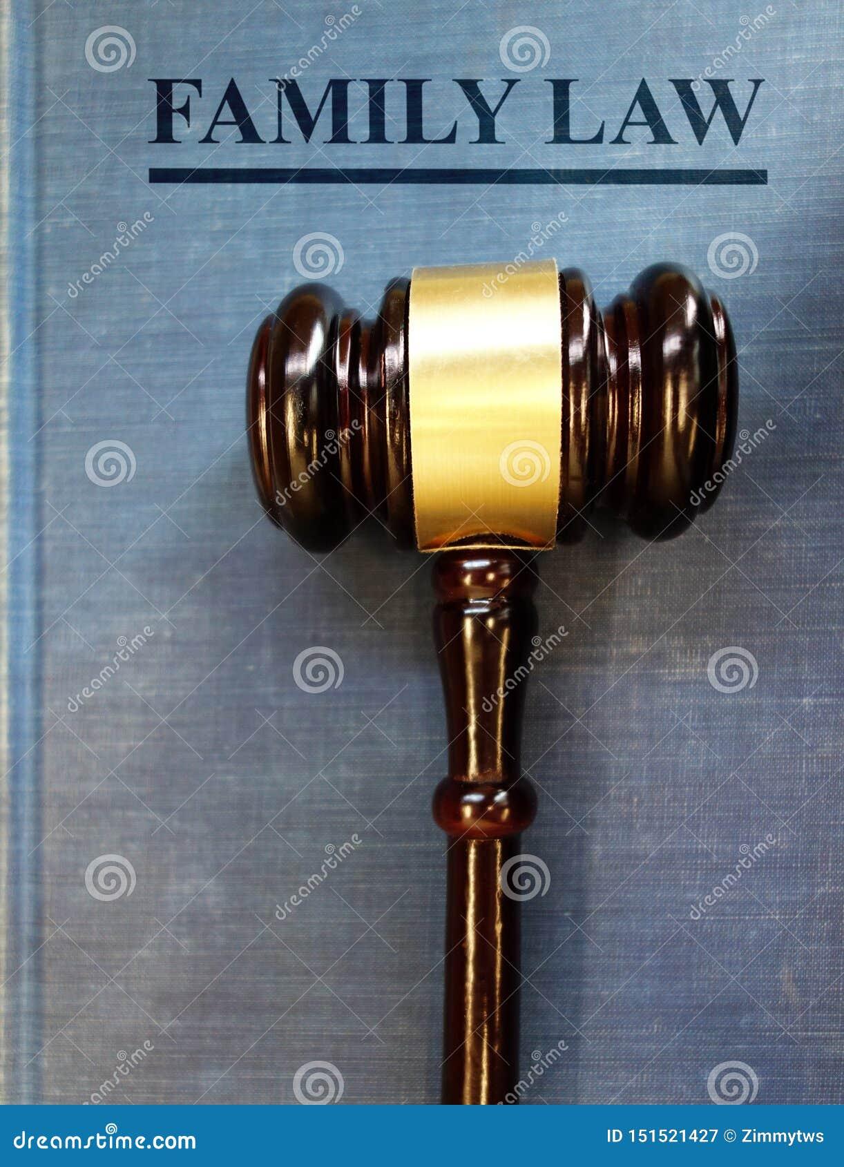 Auktionsklubba för familjlagdomstol