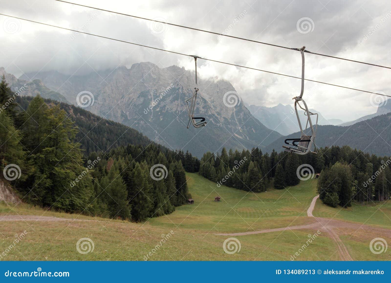 Auronzo di Cadore, Italia: Elevación de la montaña en el verano