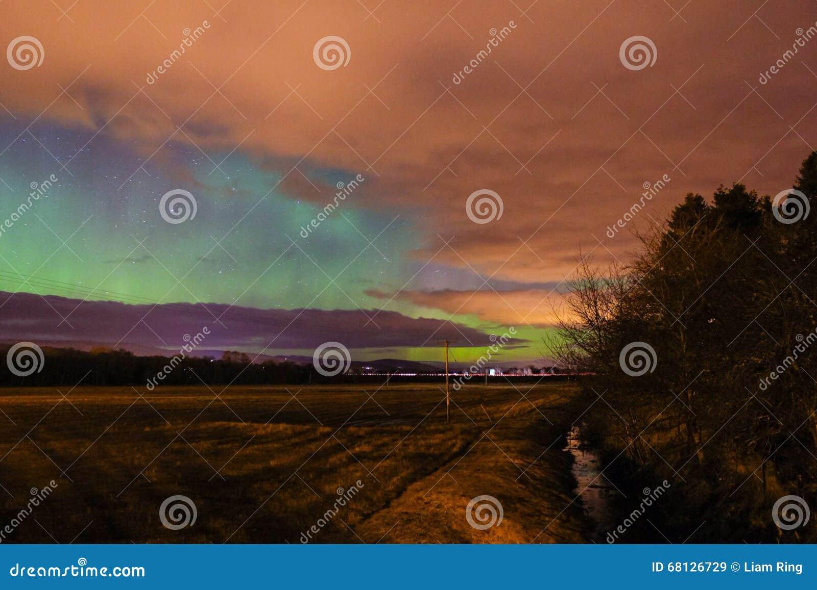 Aurora boreale di aurora borealis in Scozia