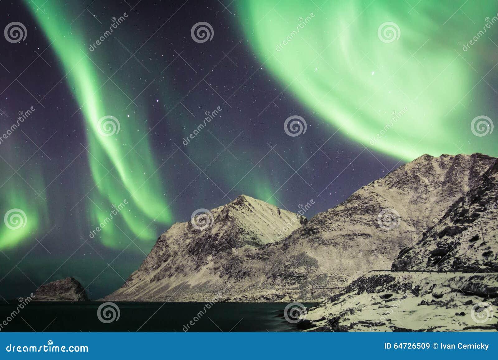 Aurora sopra Lofoten, Norvegia
