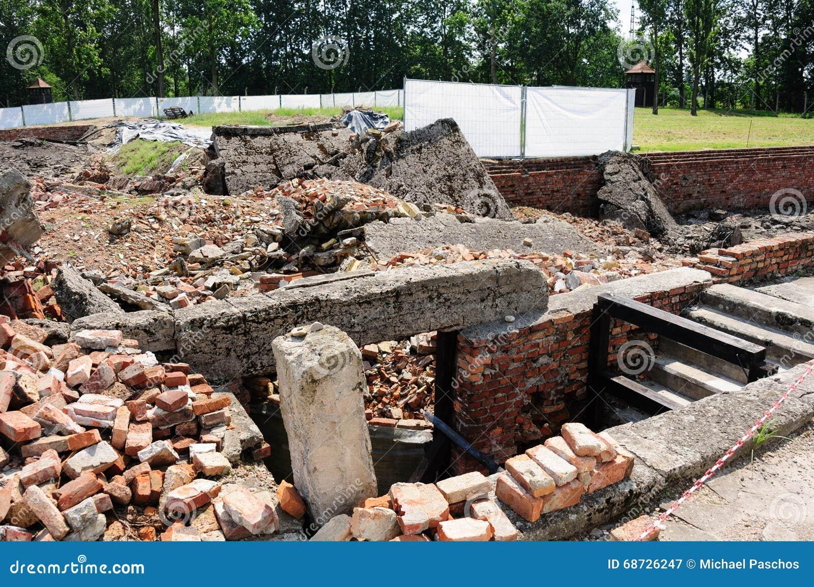 Auschwitz II - crematório II de Birkenau