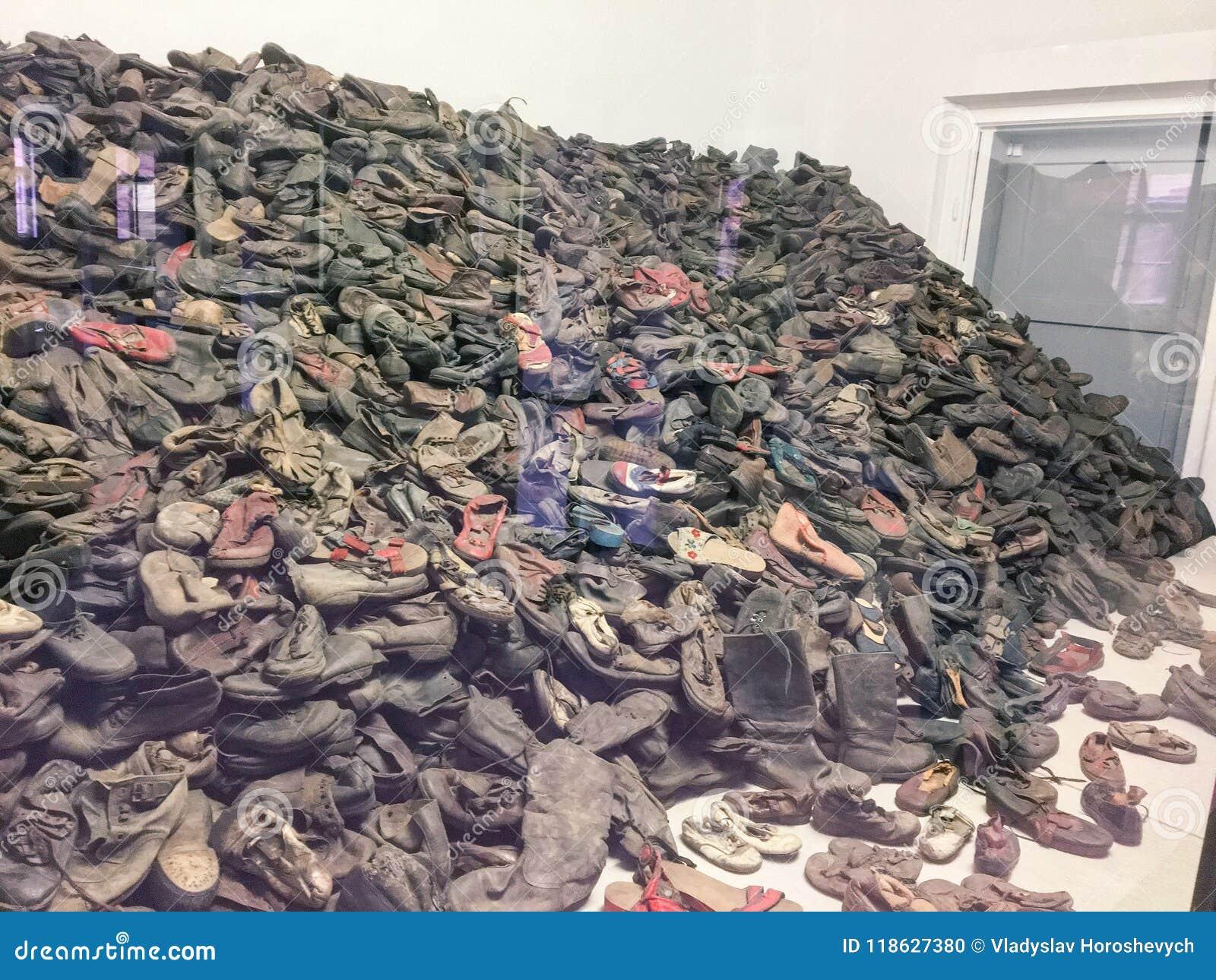 Auschwitz/Pologne - 08 07 2017 : Camp de concentration Auschwitz-Birkenau à Oswiecim, Pologne Chaussures des juifs tués dans l es