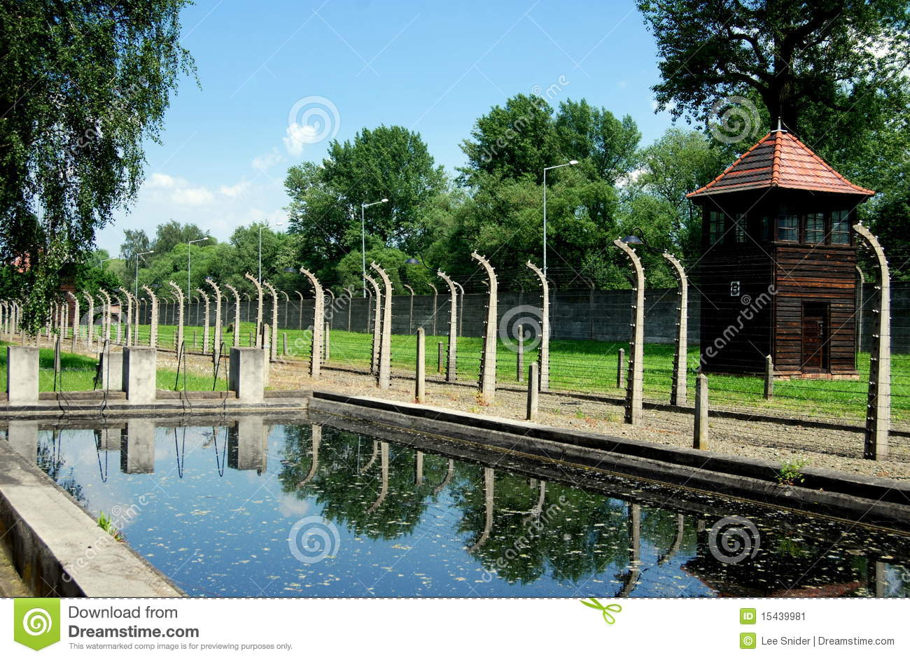 Auschwitz pologne piscine nazie photo ditorial image for Piscine xs prix