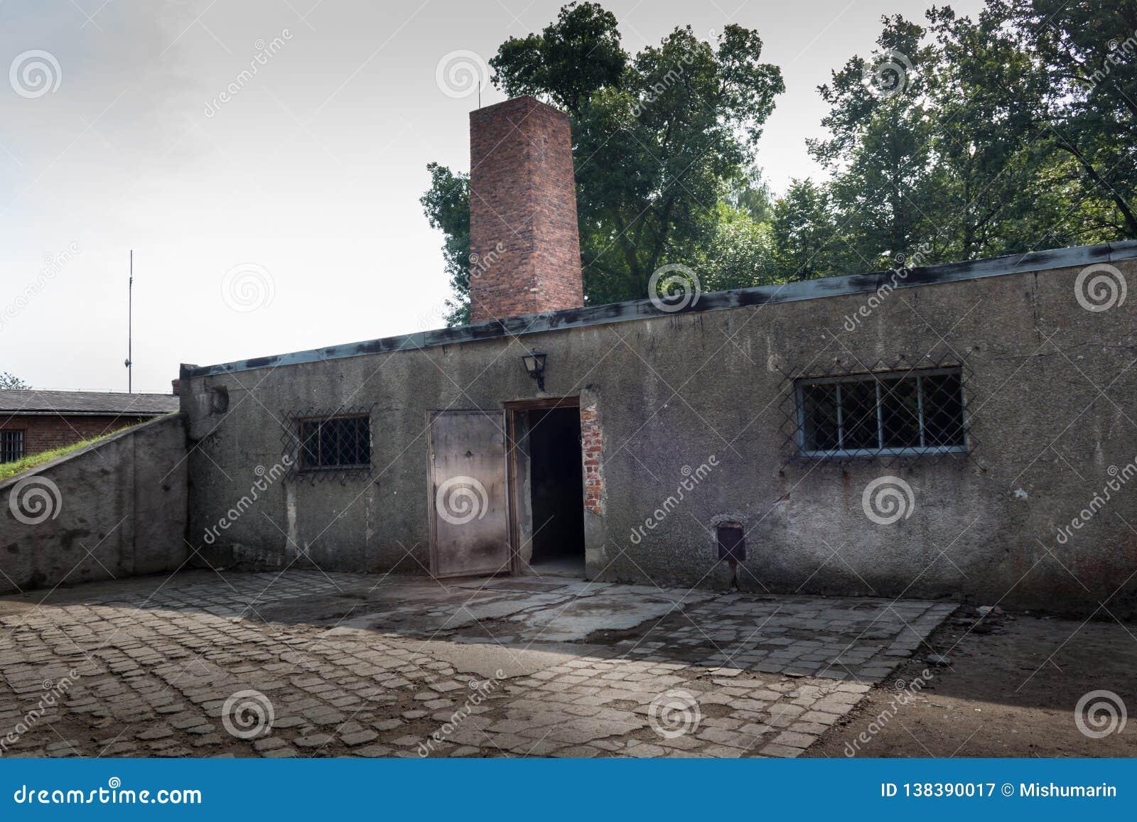 AUSCHWITZ POLSKA, LIPIEC, - 2017: Crematorium w Auschwitz obozie Ja