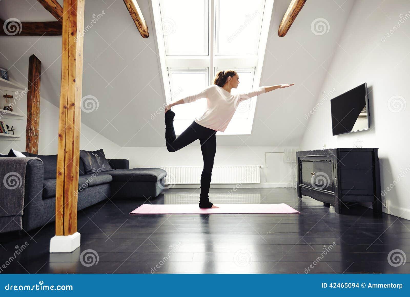 Ausdehnendes und balancierendes Yogatraining