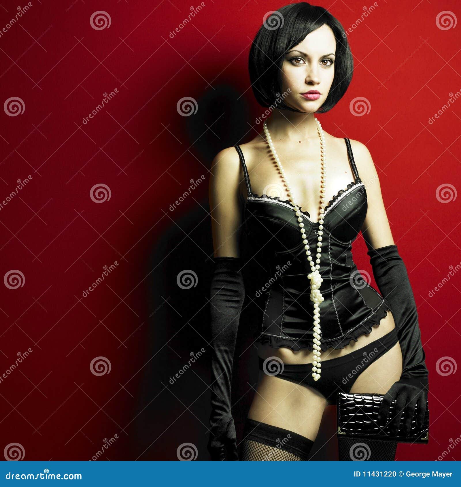 Ausgezeichnete junge Frau im Korsett