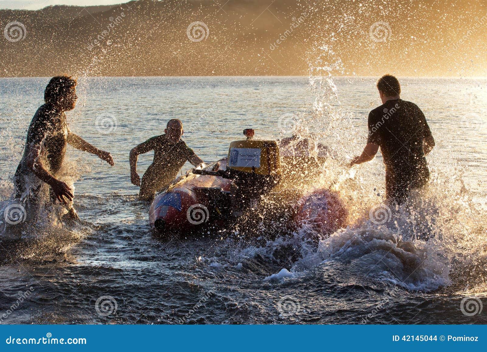 Aussie kipiel ratowników trenować