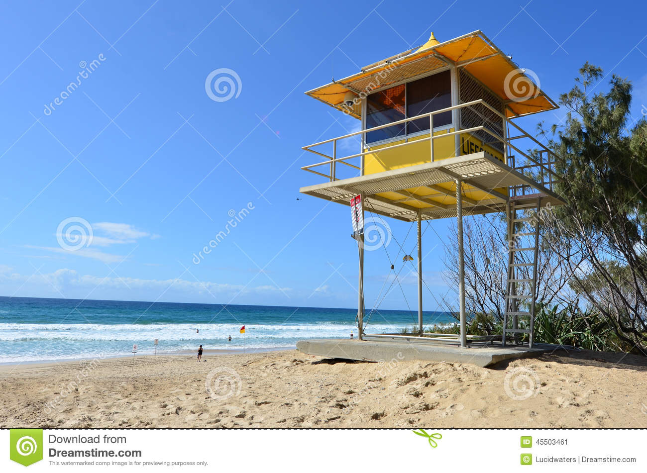 a6ba99175b5 GOLD COAST - SEP 28 2014  Australian Lifeguards tower in Gold Coast  Australia.Australian Lifeguards are world-renown for their high levels of  skill and ...