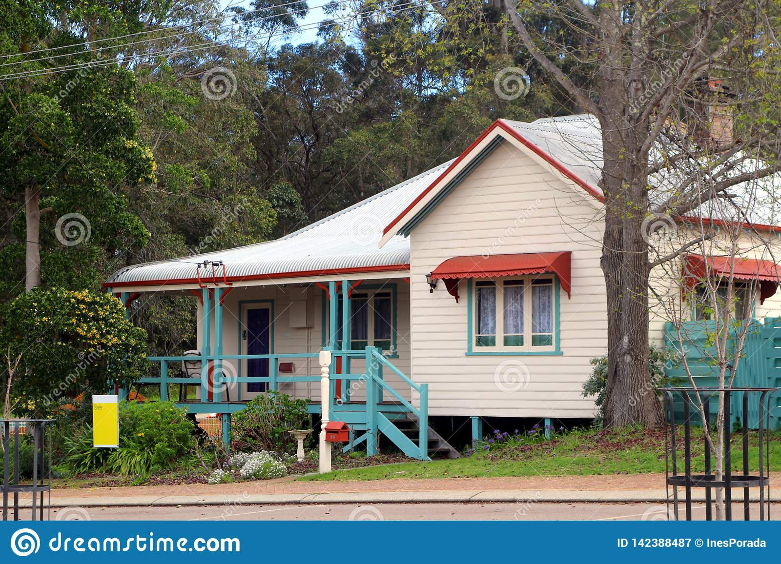 Australian Residential Home With Underfloor Area For