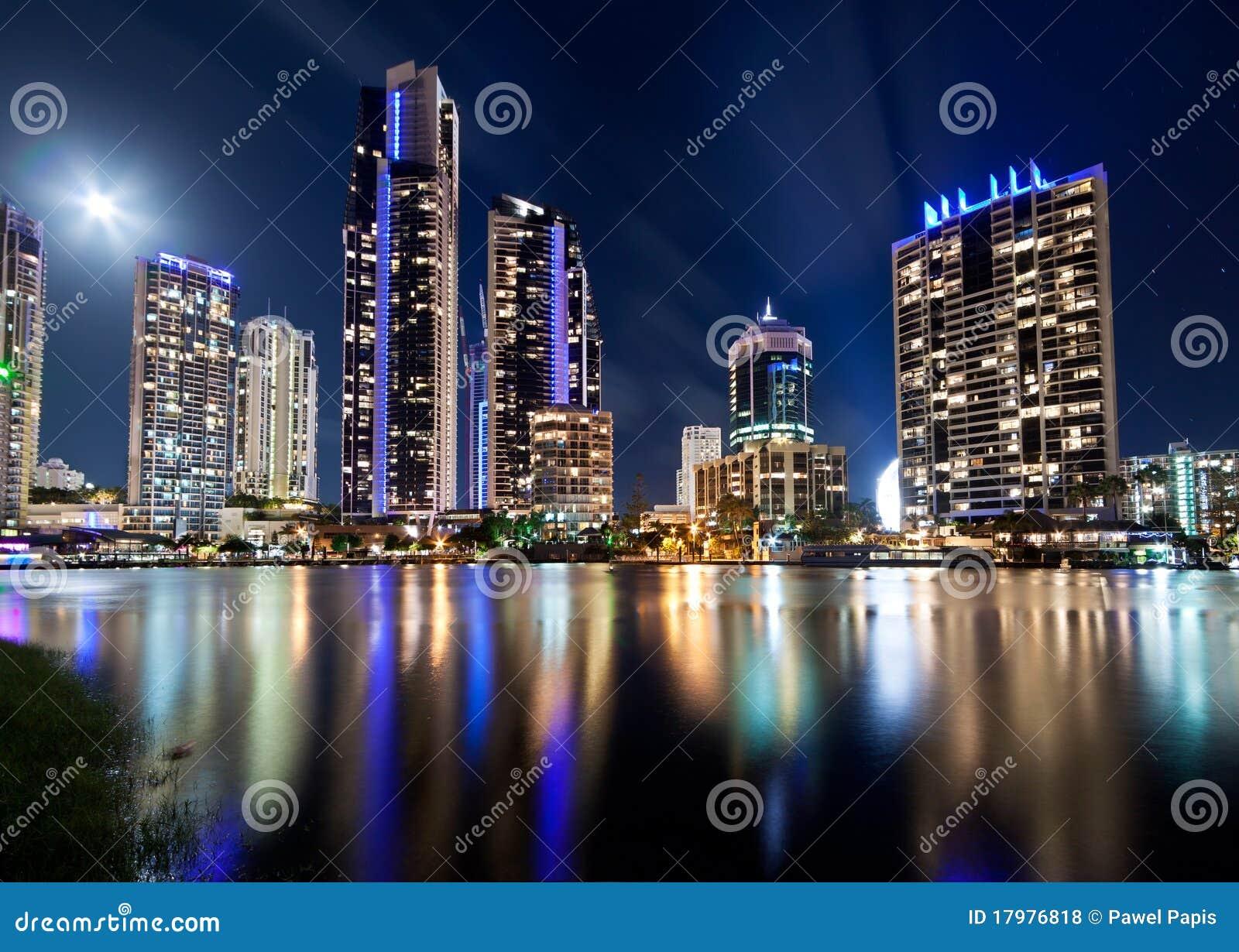 Australische moderne Stadt nachts