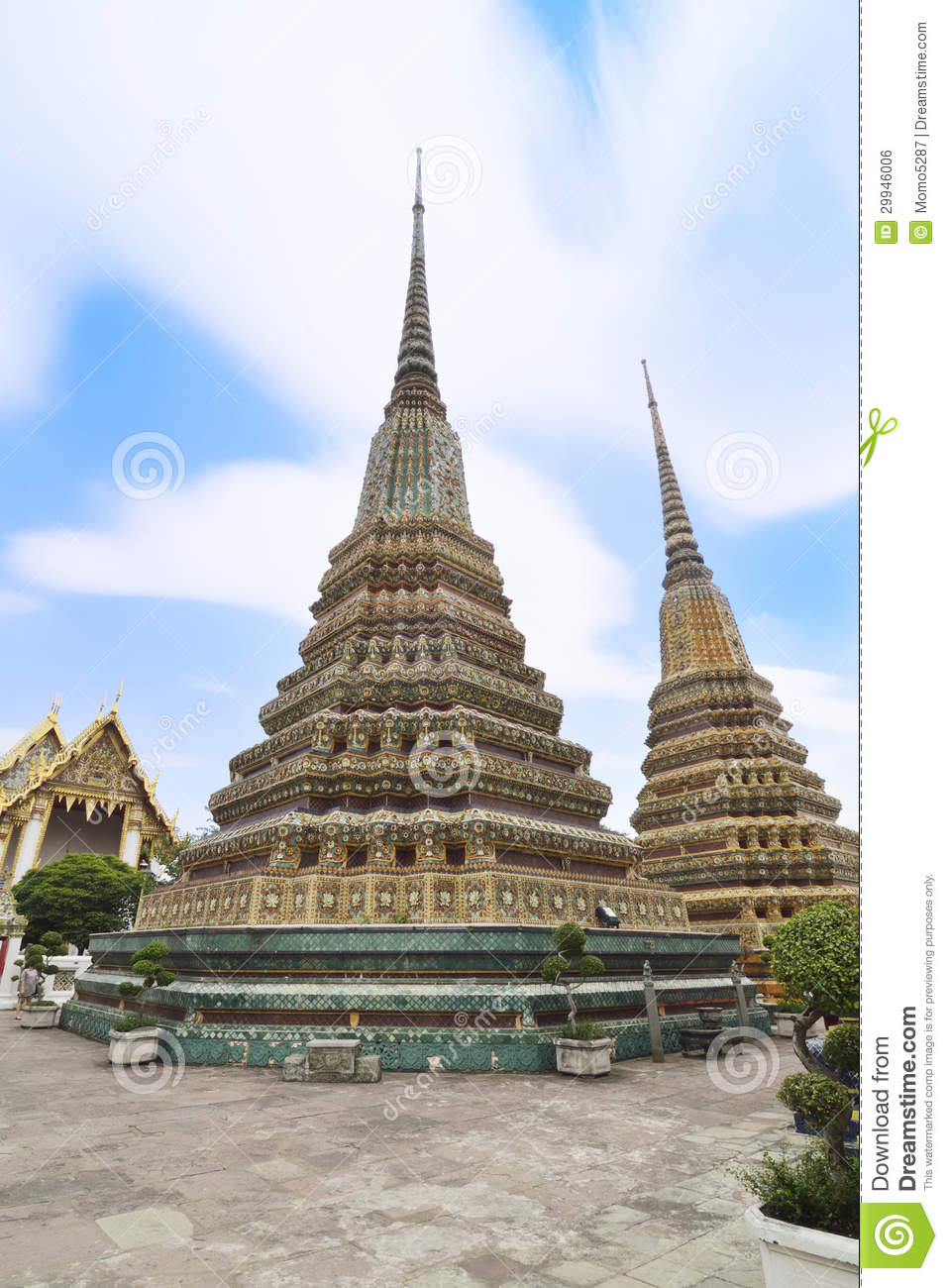 Wat pho royalty free stock image image 29946006 for Wat architecture