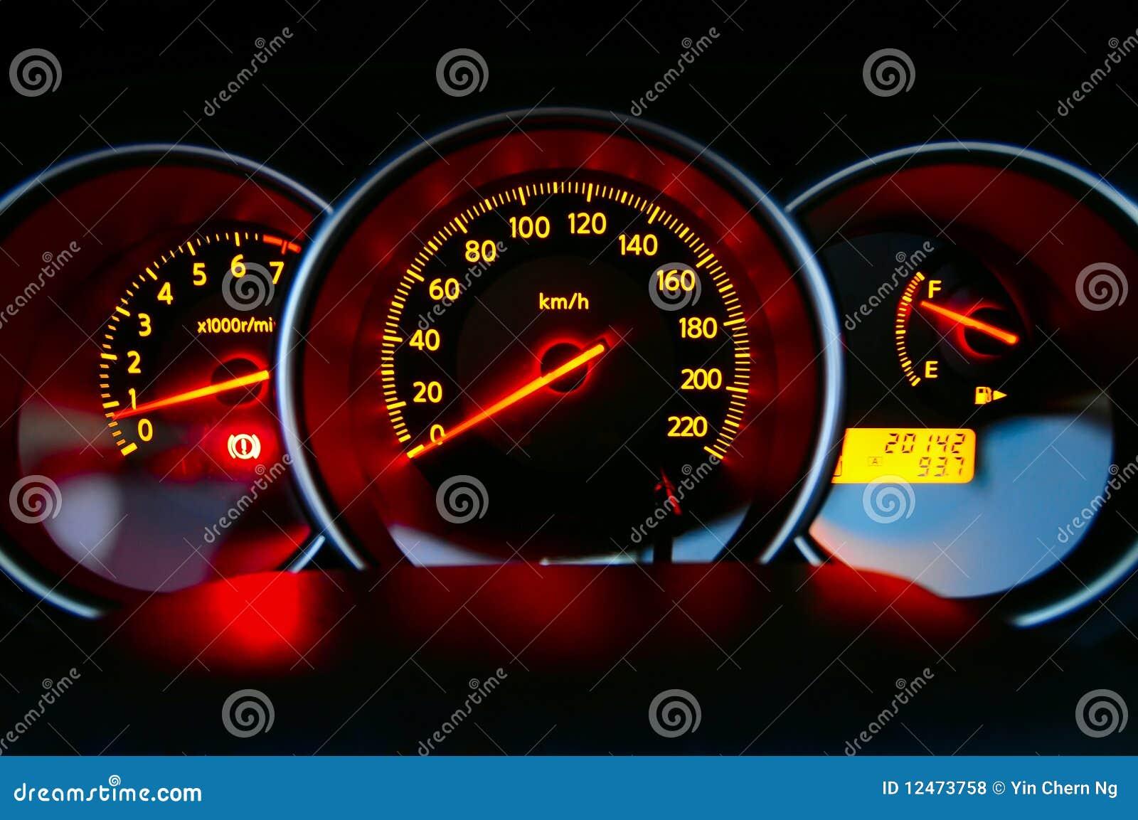 Armaturenbrett  Auto-Armaturenbrett Lizenzfreie Stockfotos - Bild: 12473758