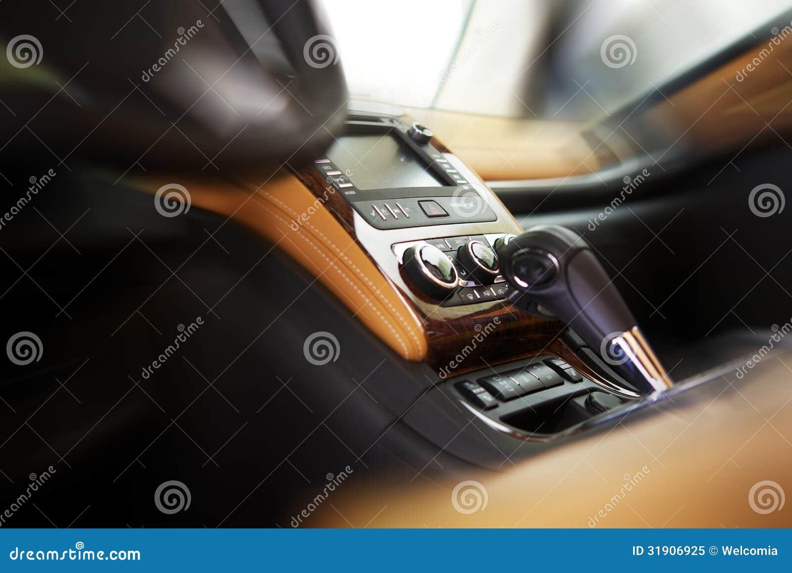 Auto-Cockpit Lizenzfreies Stockfoto - Bild: 31906925 | {Auto cockpit straße 30}
