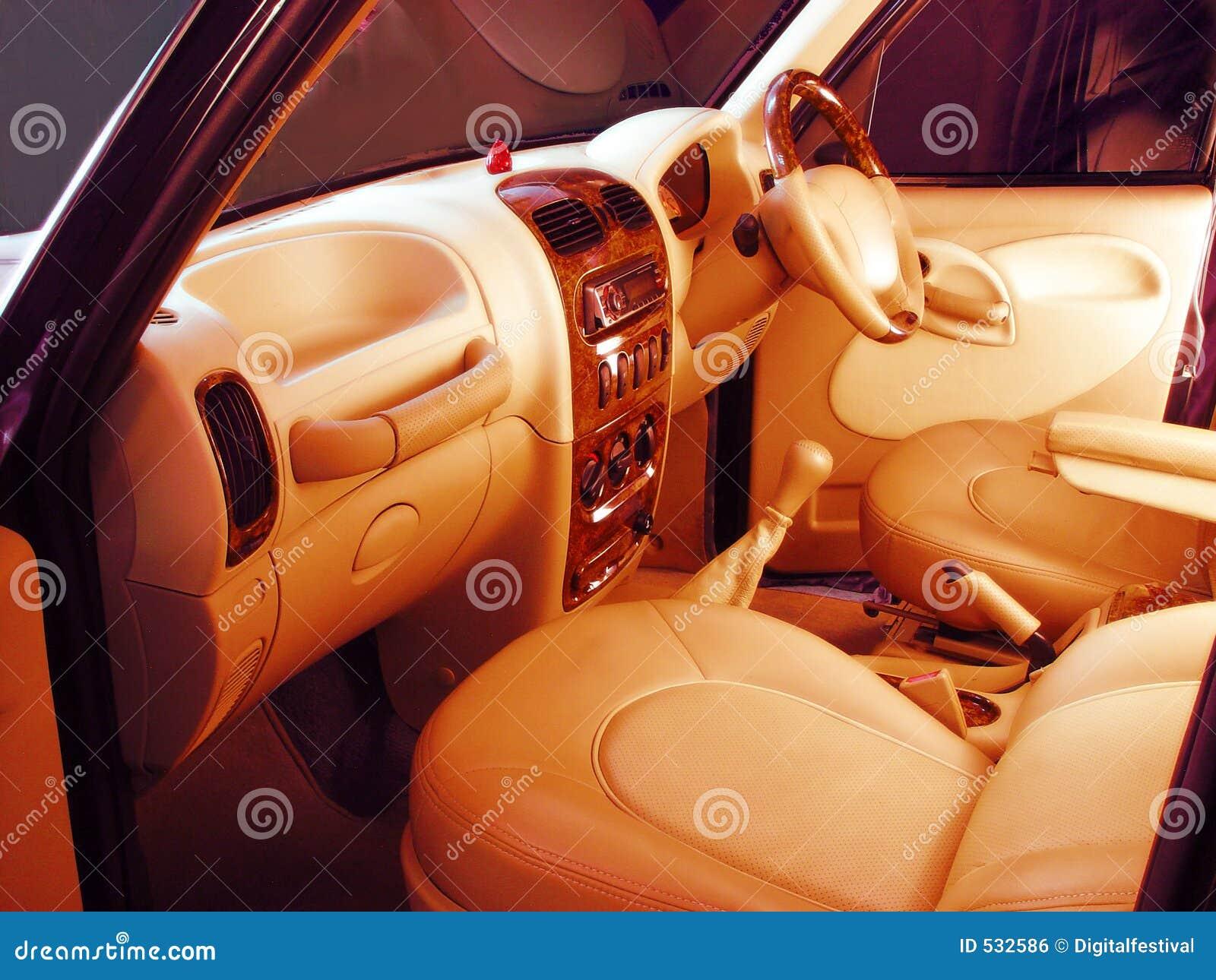 Auto interiores projetados na moda