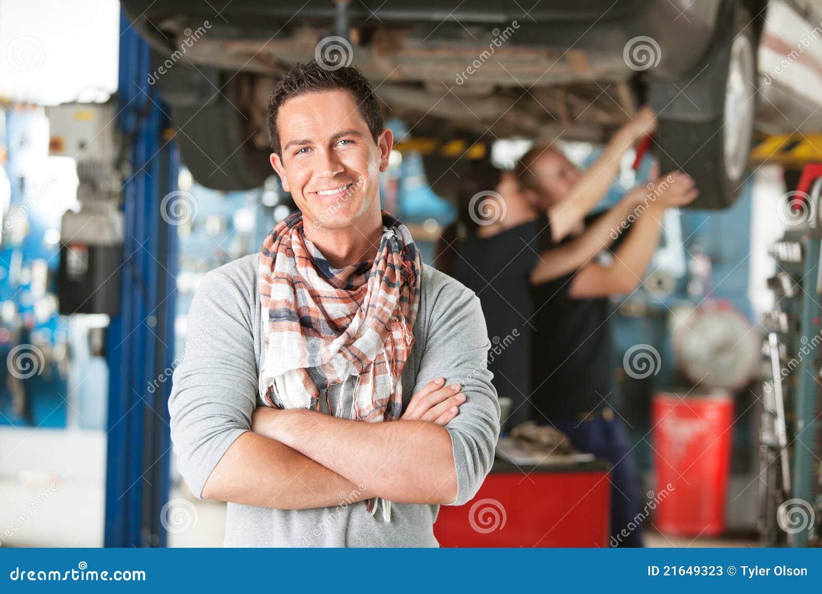 Auto klienta szczęśliwy repairshop