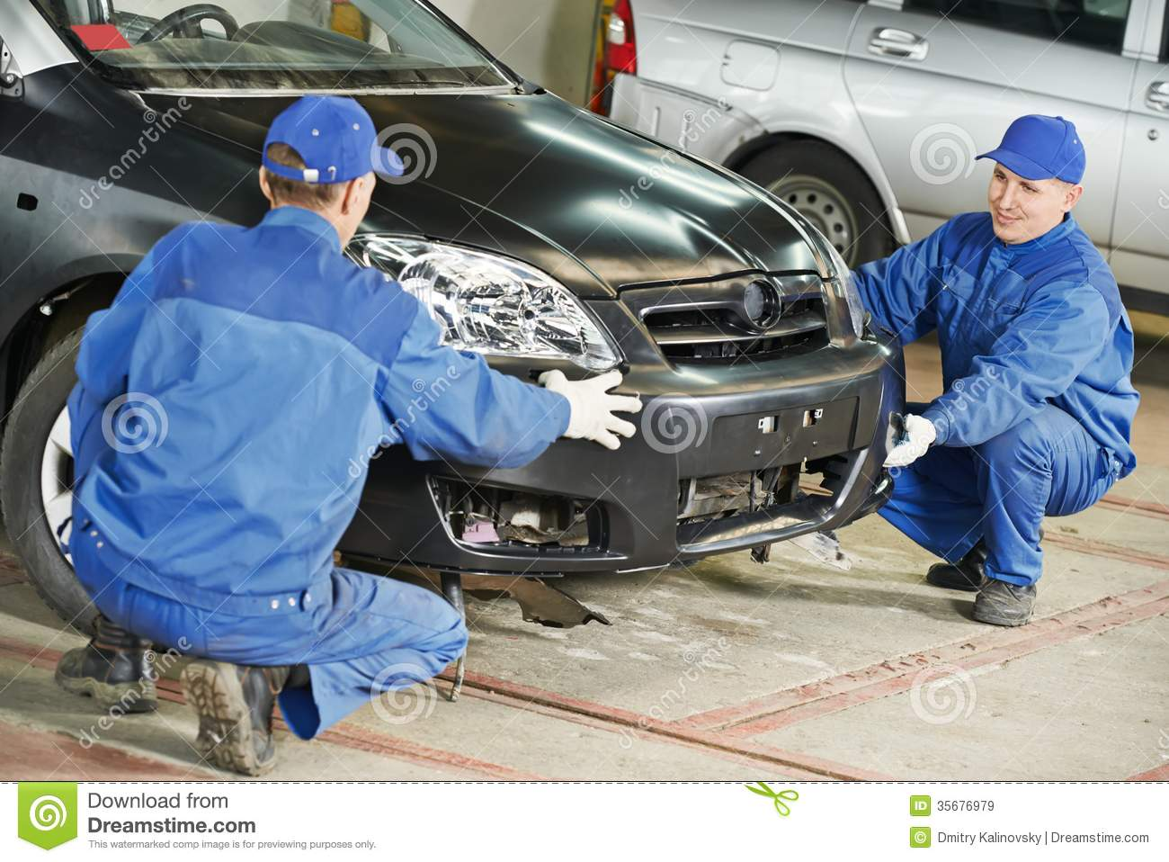 Auto mechanic repair car body royalty free stock images for Motor vehicle body repair
