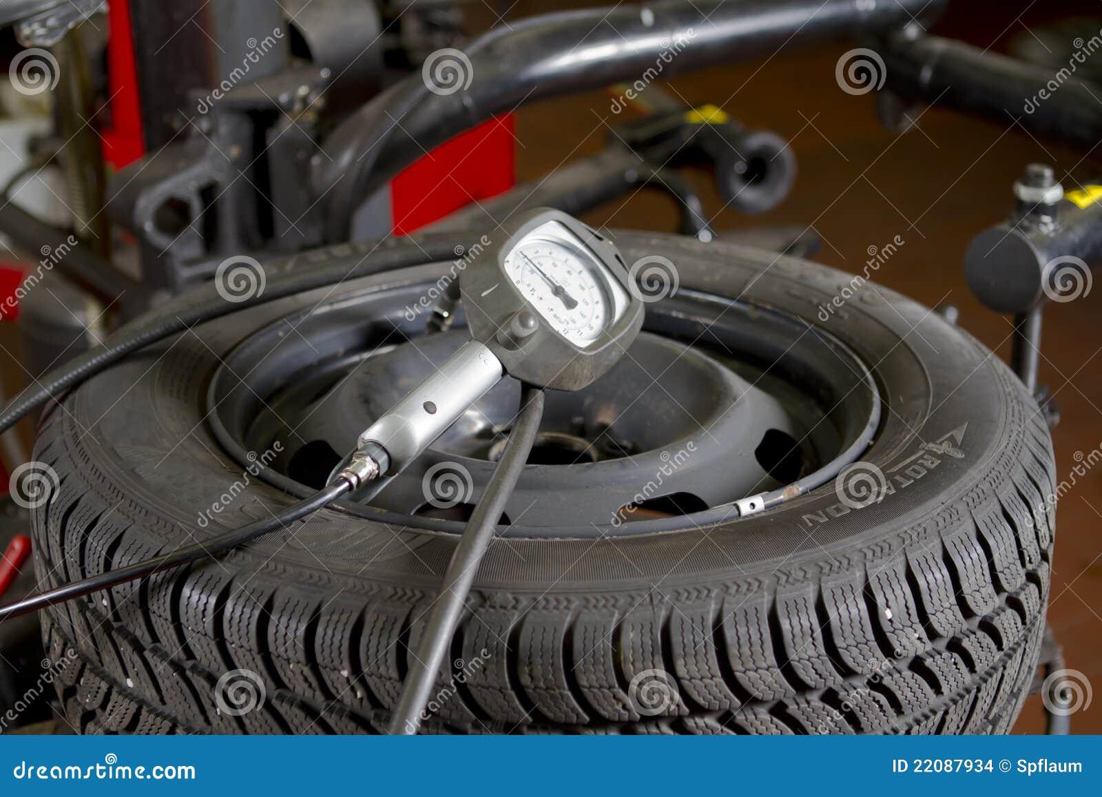 Auto-Reifen-Druck