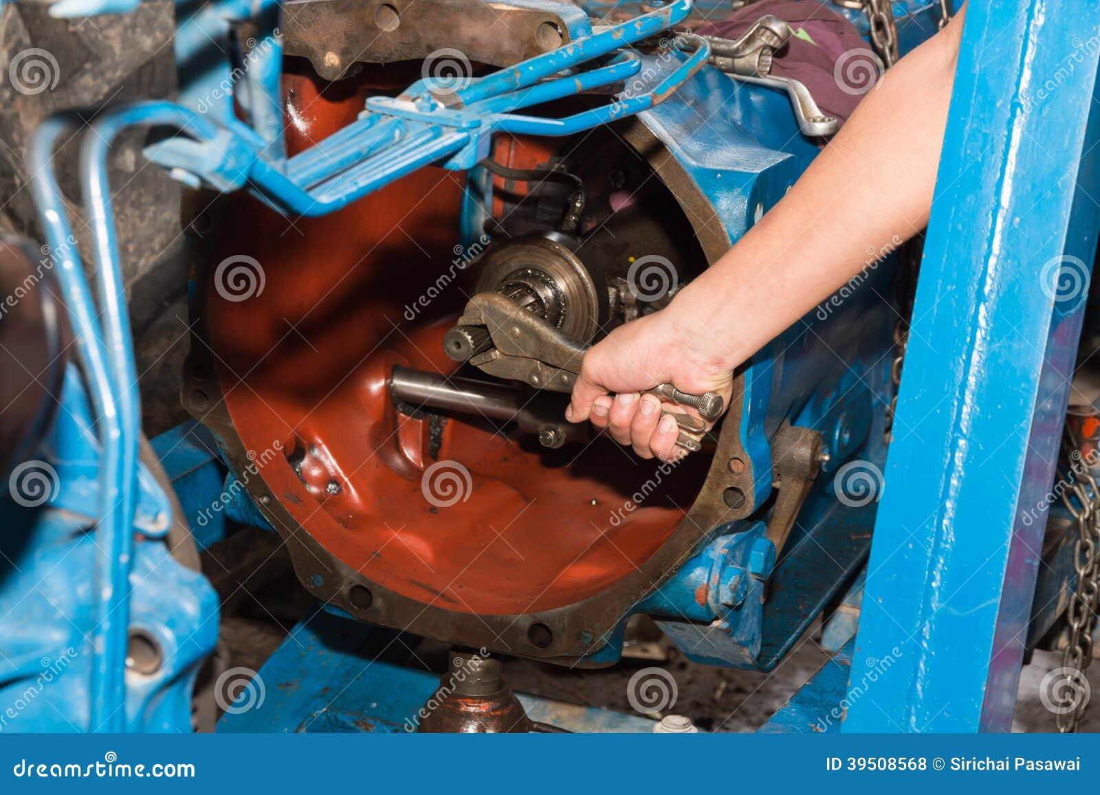 Auto repair tractors