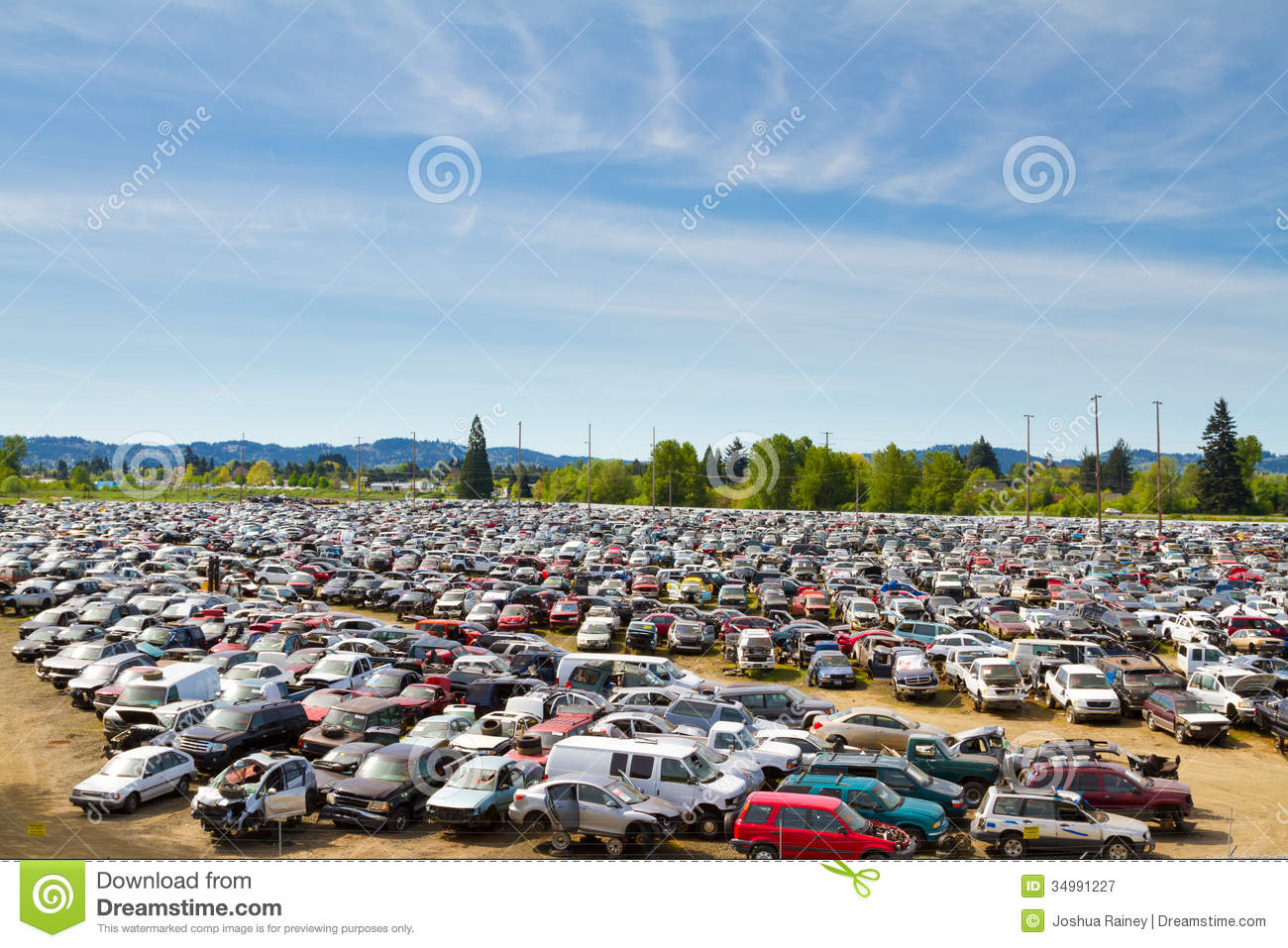 How to Start an Auto Salvage Business