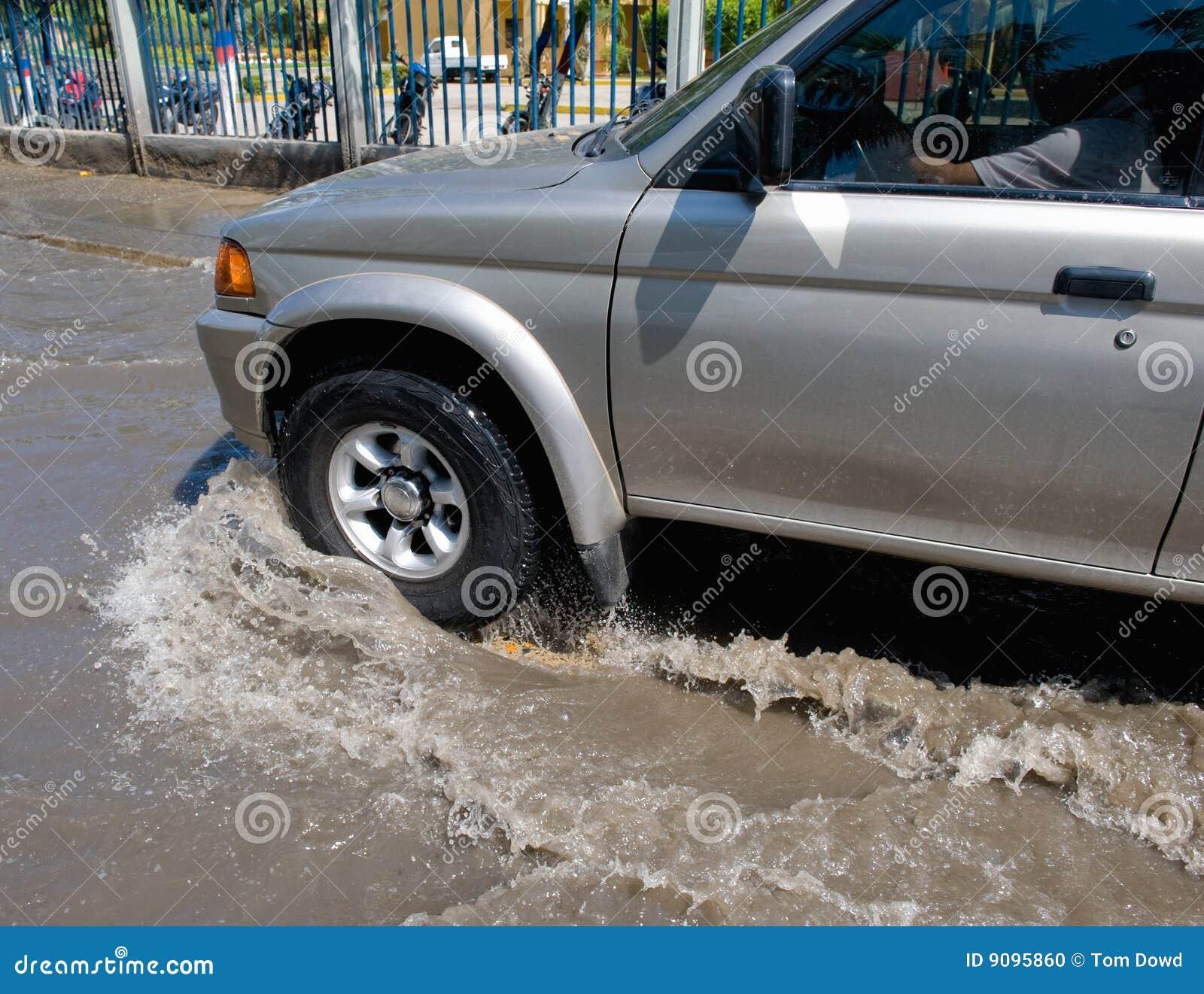 Autoantreiben durch Wasser