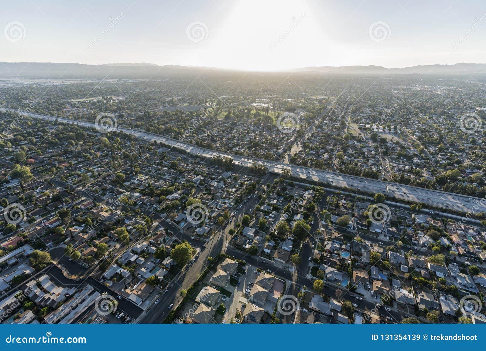 Autobahn der Vogelperspektive-405 in Los Angeles San Fernando Valley