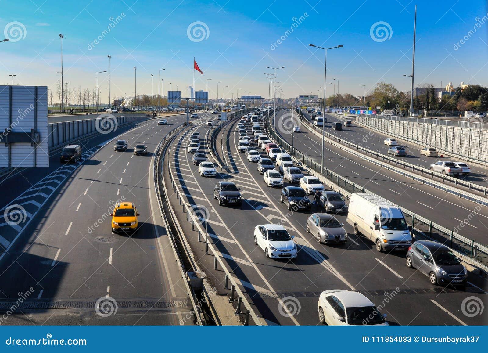 Autobahn u. Verkehr Yenikapi Istanbul