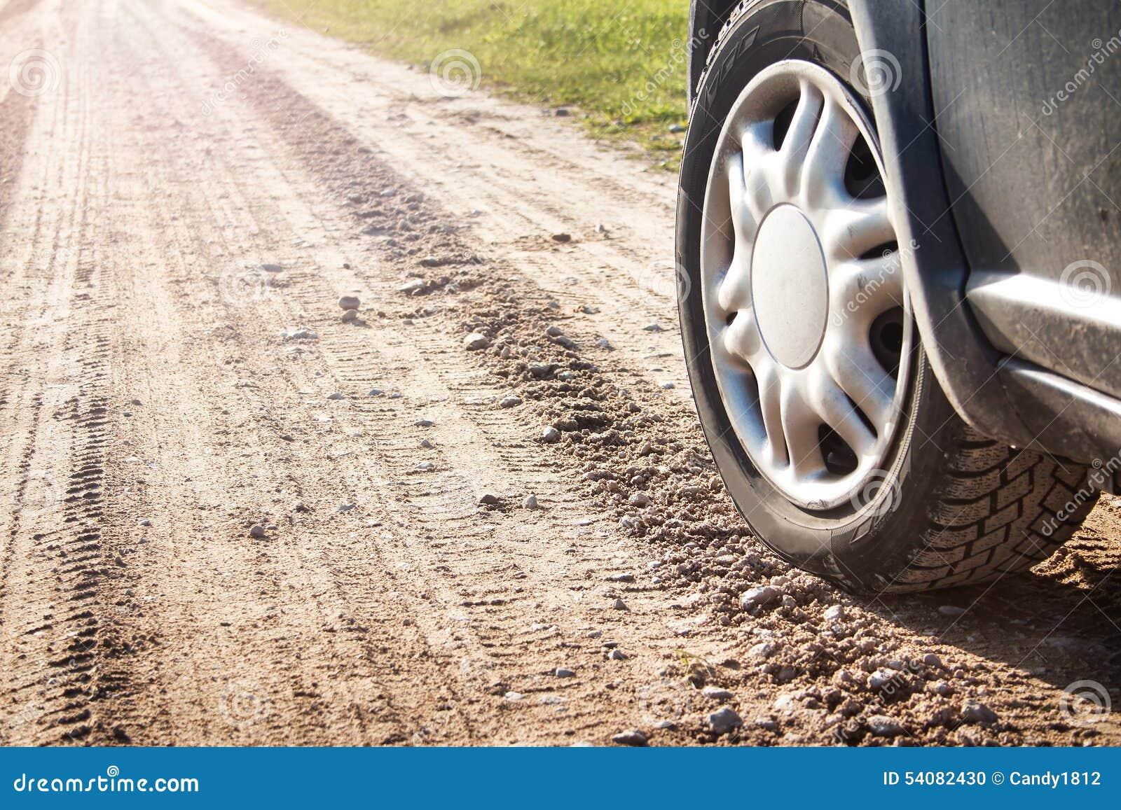 Autoband bij de landweg