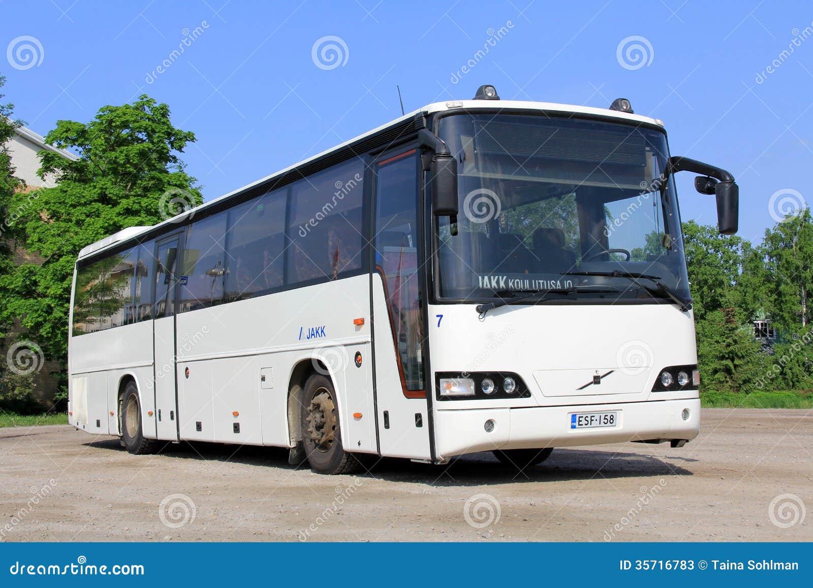 Autobus blanc de ville de Volvo