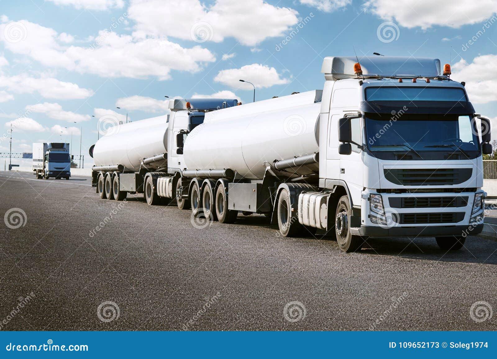 Autocisterna sulla strada, sul trasporto del carico e sul concetto di trasporto