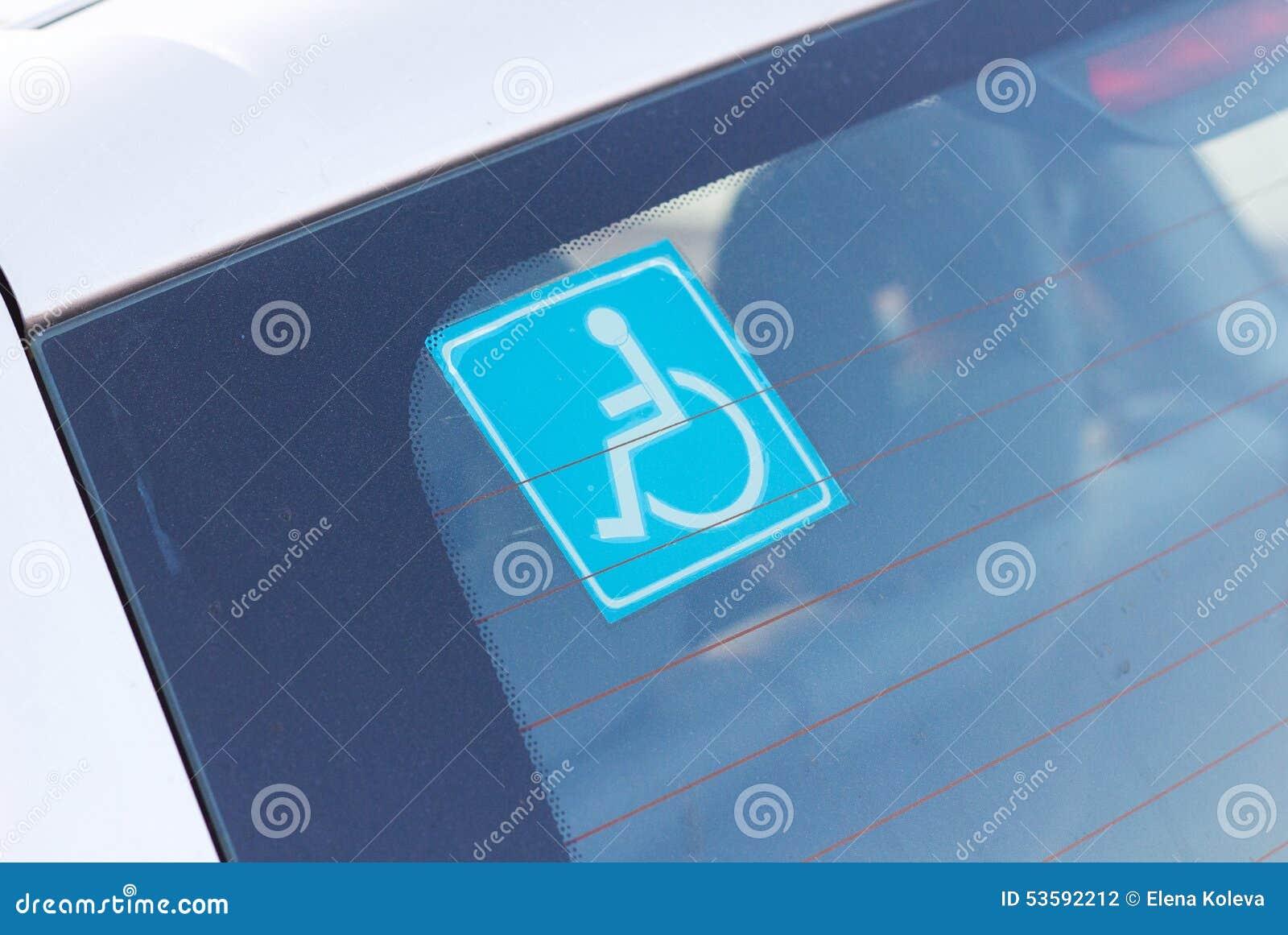 autocollant handicap de stationnement sur la voiture photo stock image 53592212. Black Bedroom Furniture Sets. Home Design Ideas