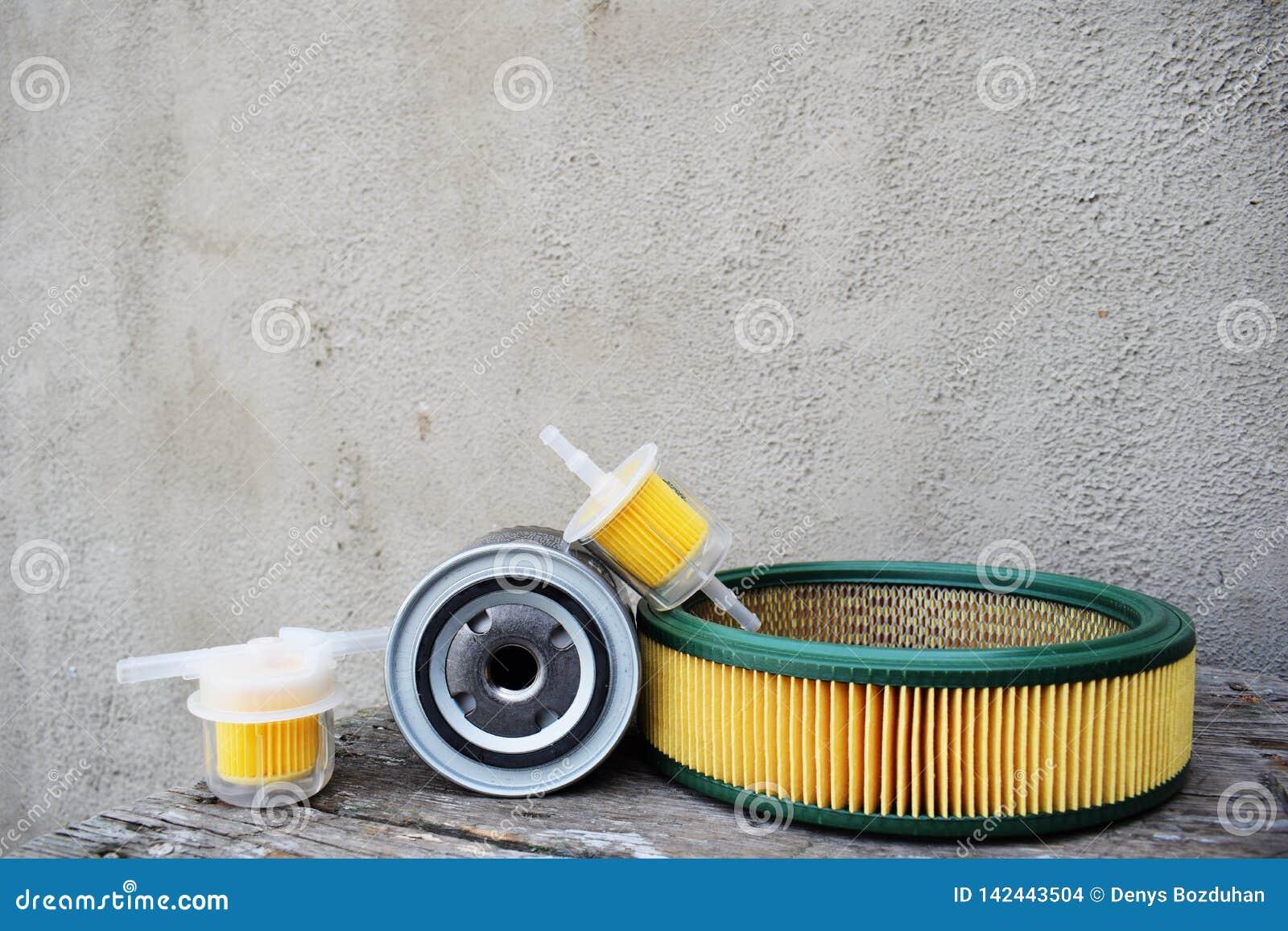 Autodelentoebehoren: olie, brandstof of luchtfilter voor motorauto