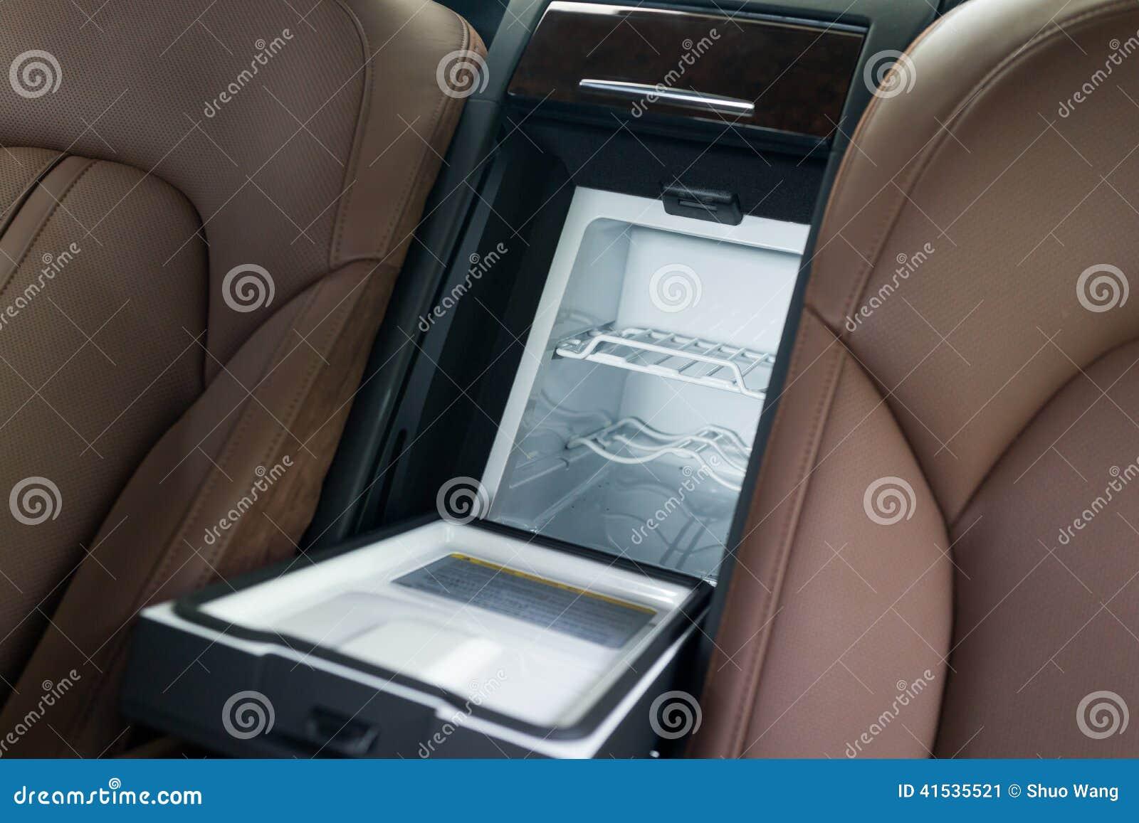 Auto Kühlschrank Klein : Autokühlschrank stockbild bild von kühlraum klein mittlere