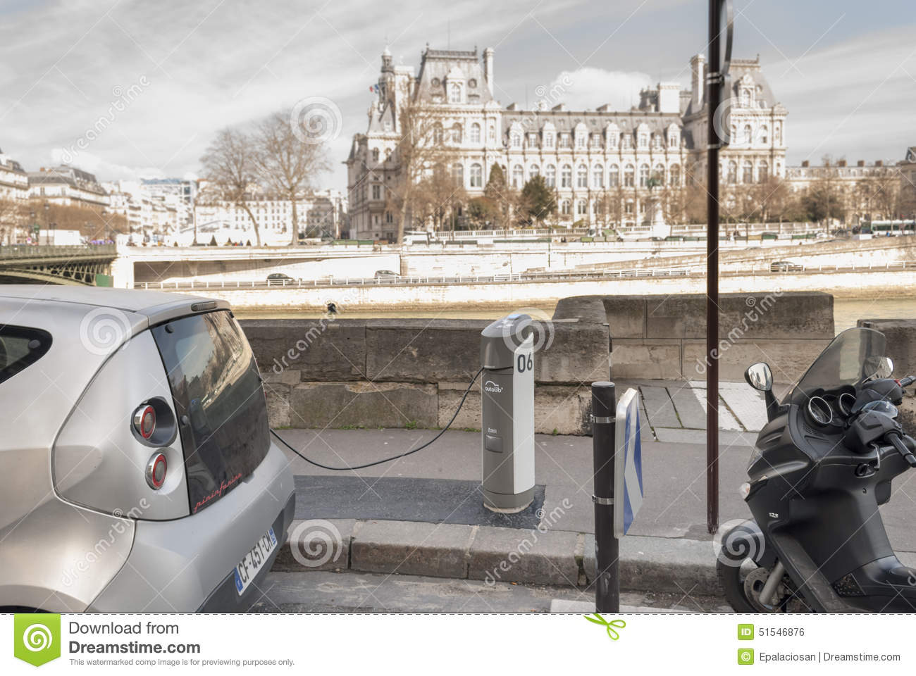 Lastest Autolib Electric Car Sharing Service In Paris France