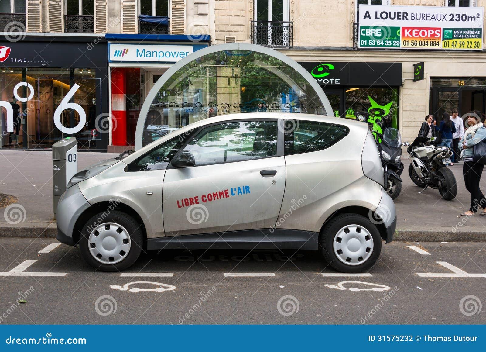 autolib elektrische auto die de dienst in parijs delen redactionele fotografie afbeelding. Black Bedroom Furniture Sets. Home Design Ideas