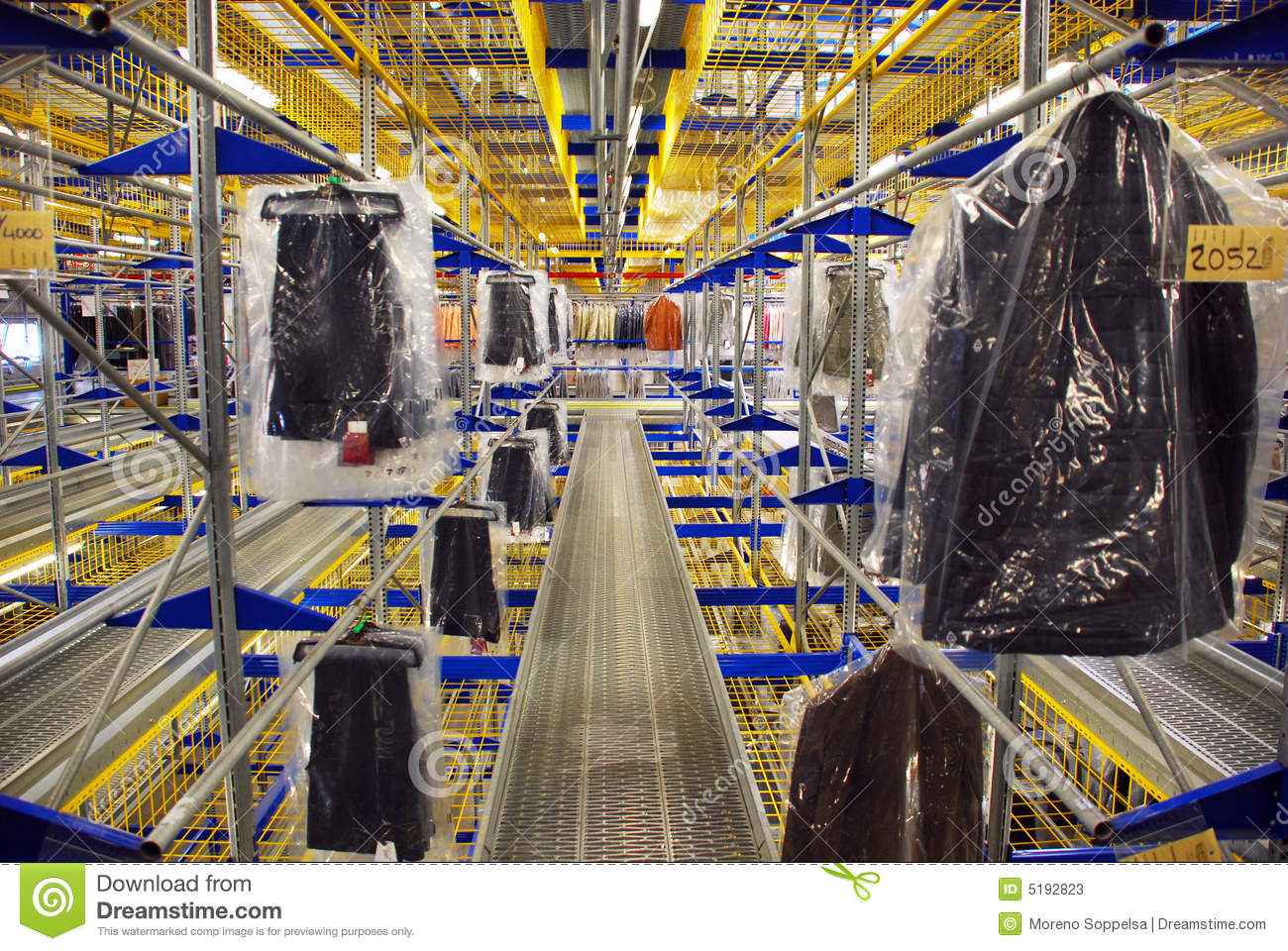 Automatic Clothing Warehouse Stock Image - Image: 5192823