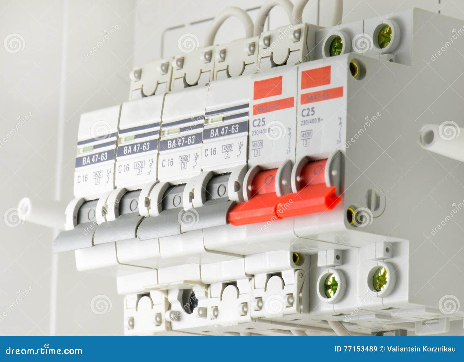 Automatische Elektrische Sicherungen Stockbild - Bild von ...