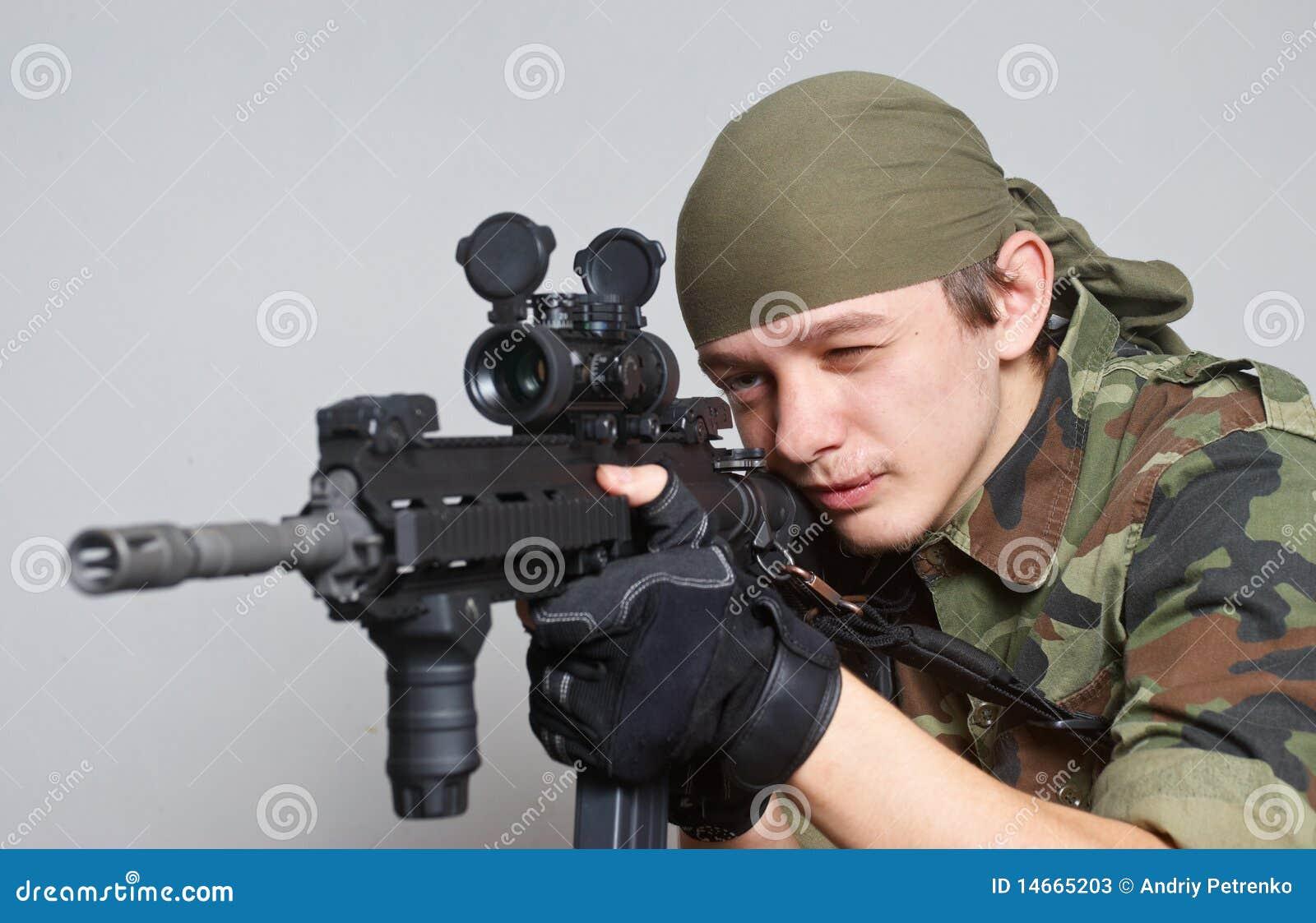 Automatisk gevärsoldat för anfall