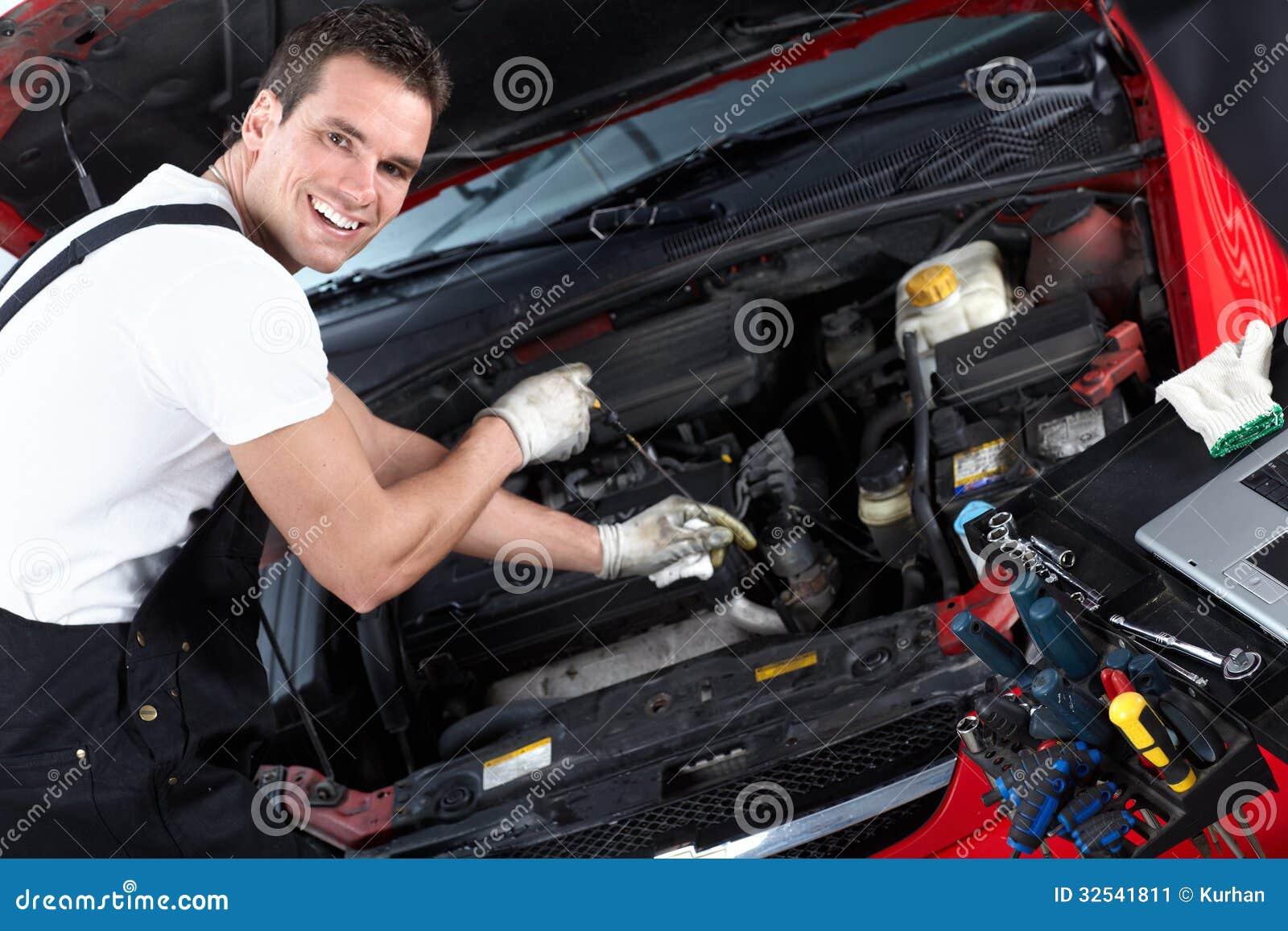 Automechaniker, Der Öl überprüft. Stockbild - Bild von auto ...