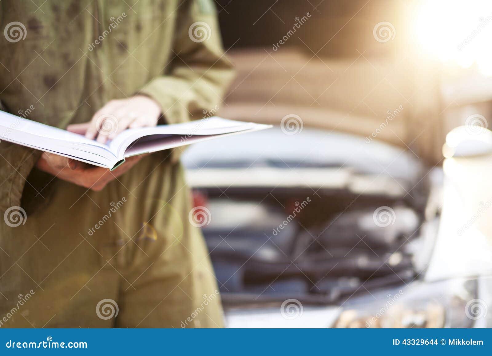 Automechaniker-Leseanweisungen