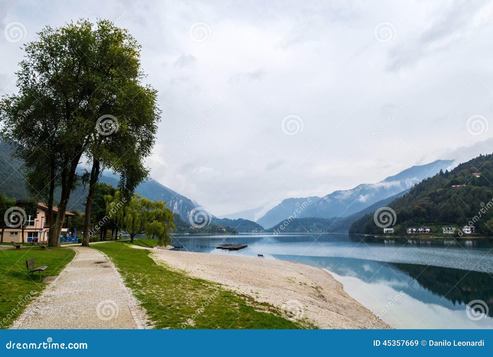 Automne sur le lac Ledro