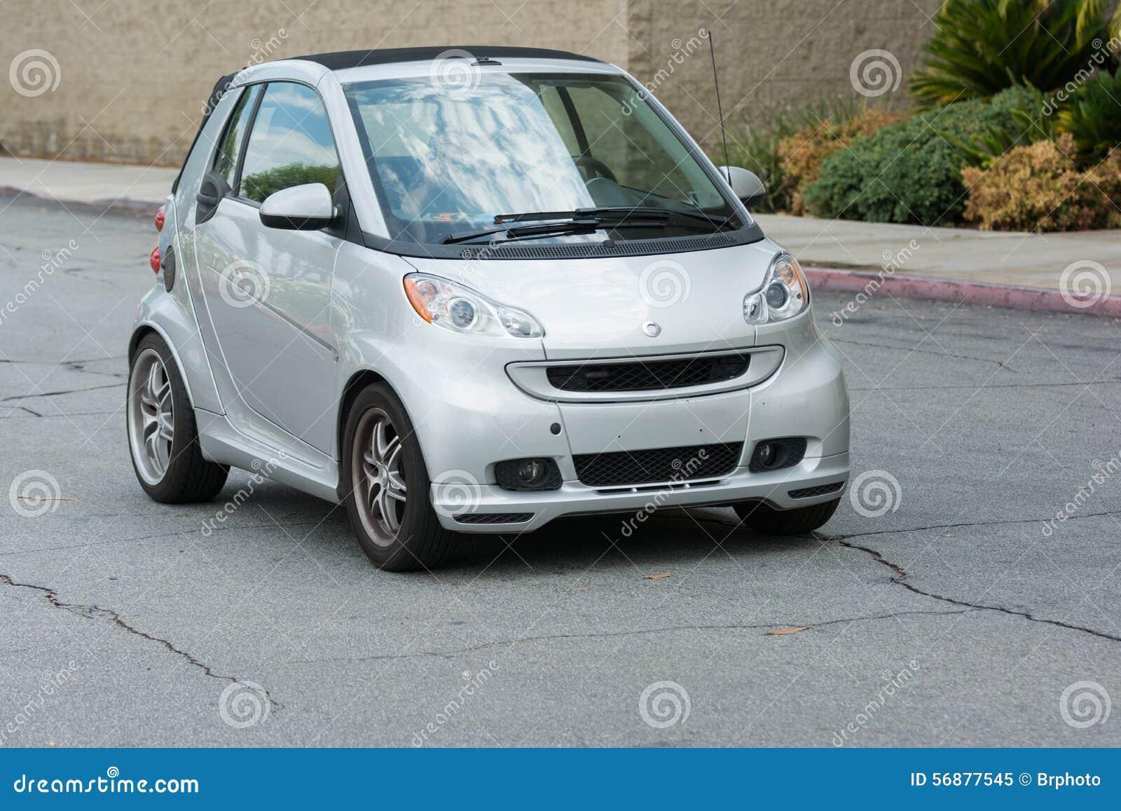 Automobile astuta su esposizione