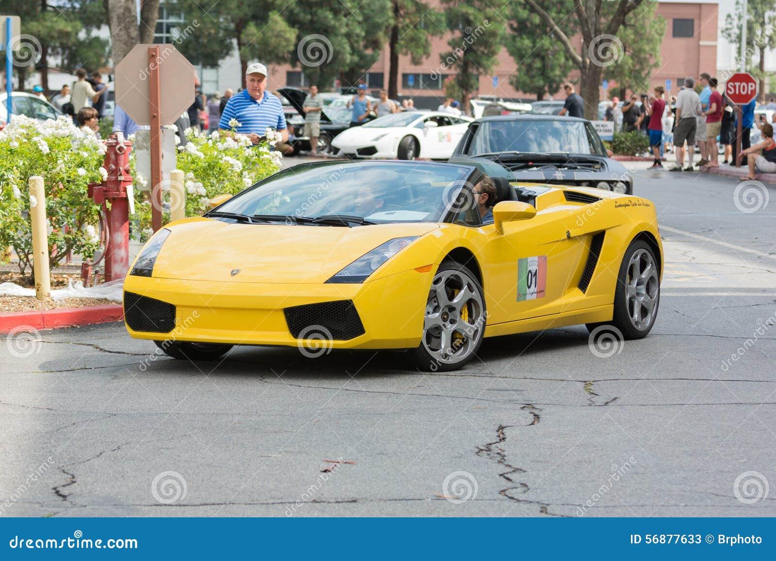 Automobile convertibile di Lamborghini Gallardo su esposizione
