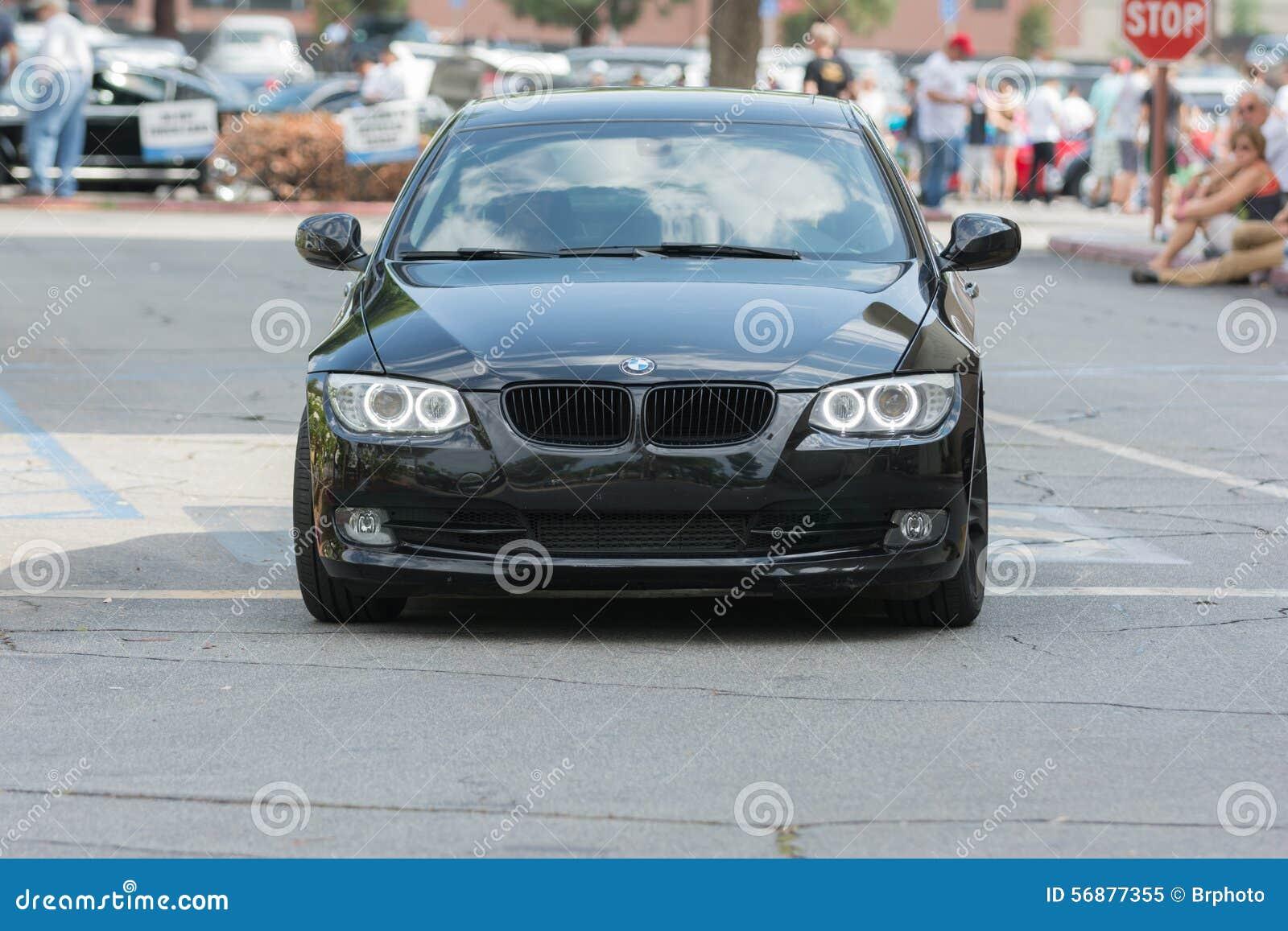 Automobile di BMW su esposizione