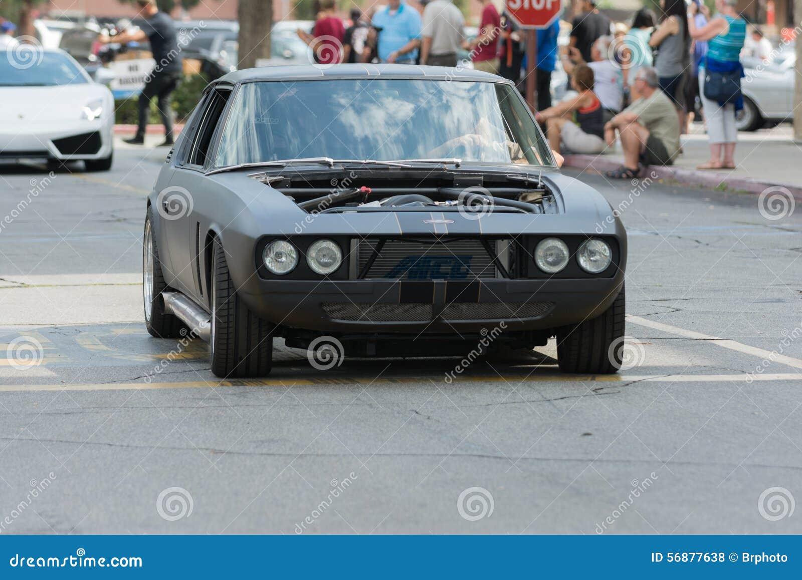 Automobile di Jensen Interceptor su esposizione