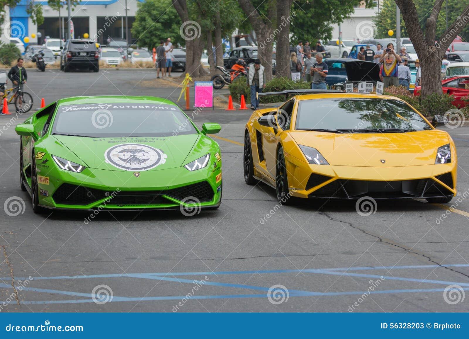 Automobile di Lamborghini Huracan e di Lamborghini Gallardo su esposizione