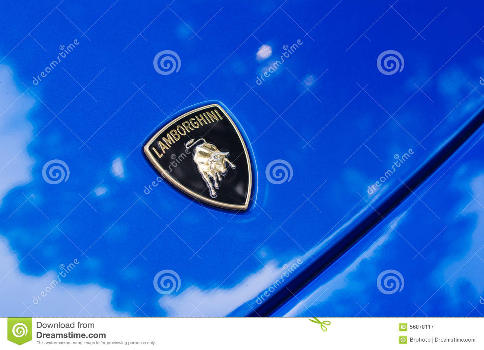 Automobile di logo di Lamborghini su esposizione