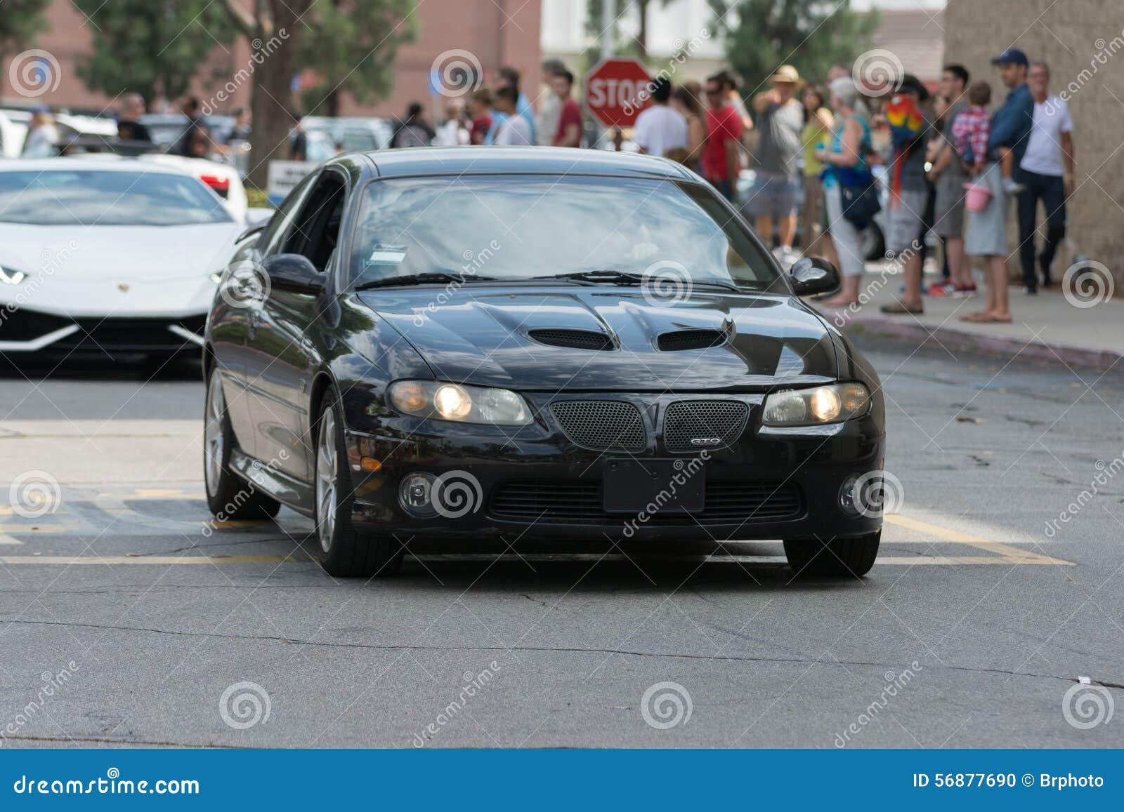 Automobile di Pontiac GTO su esposizione