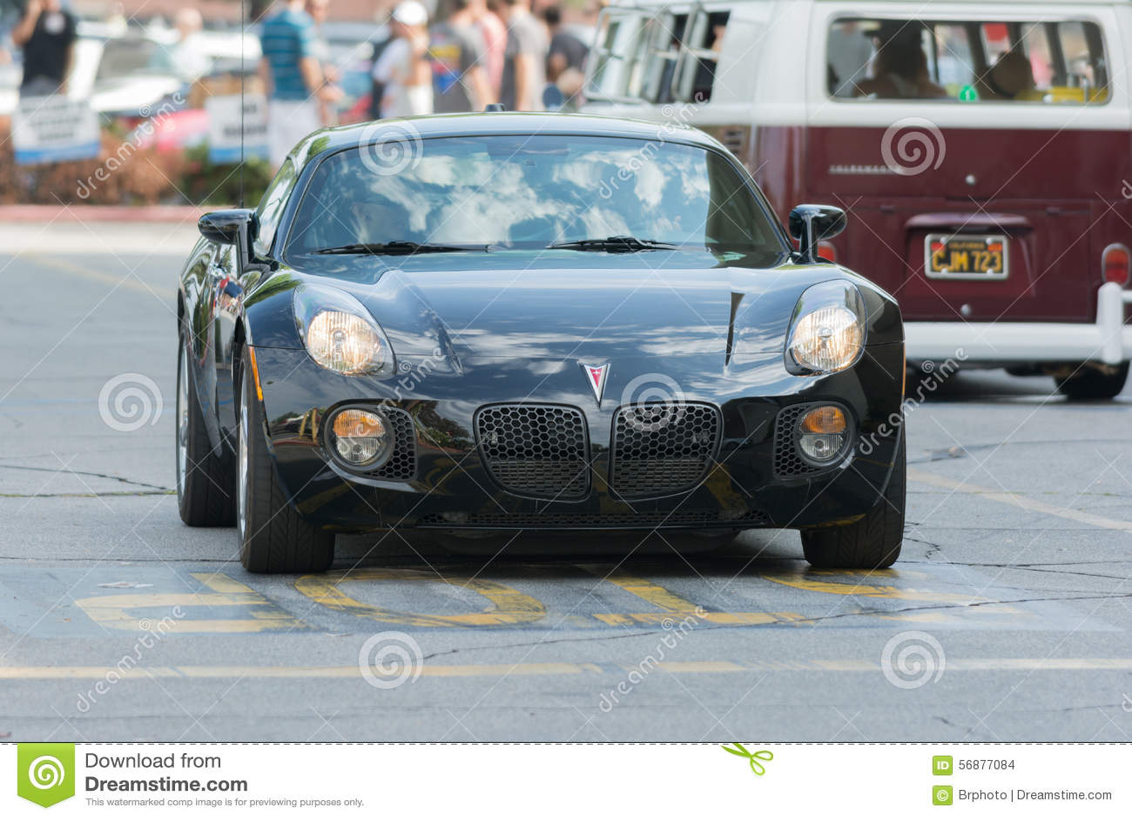 Automobile di solstizio di Pontiac su esposizione
