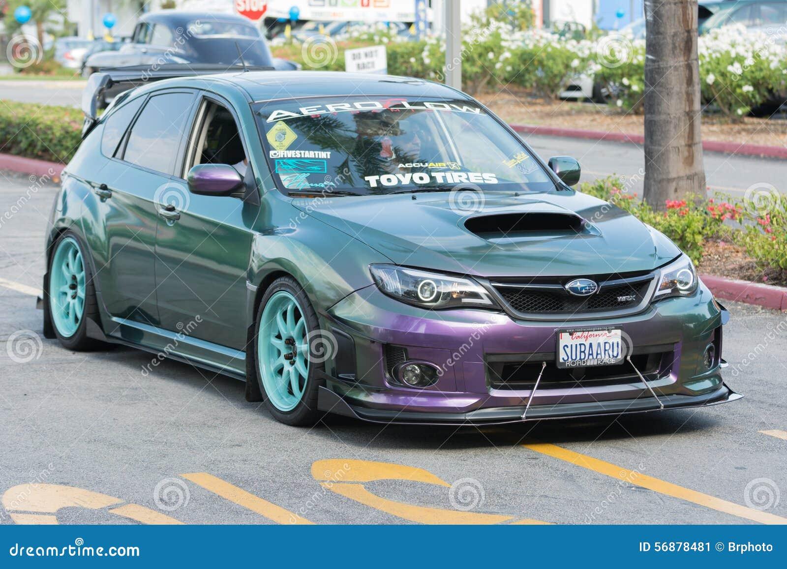 Automobile di Subaru WRX su esposizione