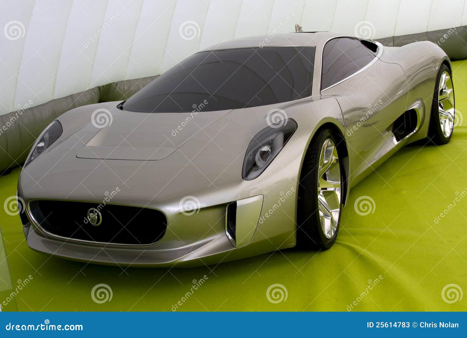 Automobile grigia di concetto del giaguaro C-X75